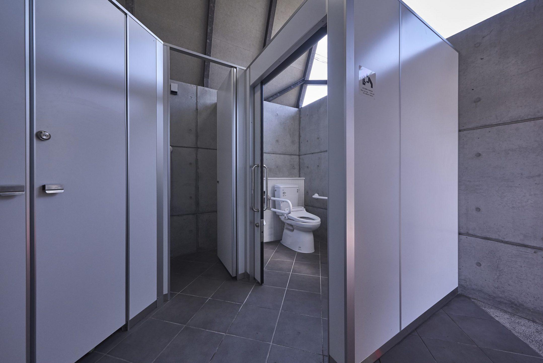 中松駅公衆トイレ