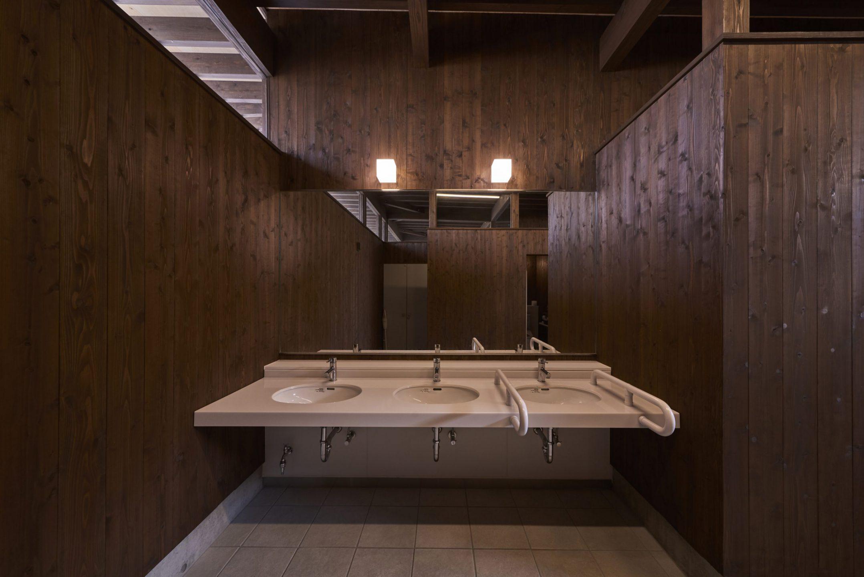 ゆうステーション屋外トイレ